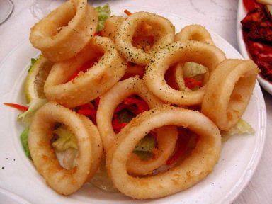 Fried Calamari - Spain (İspanya'da ünlü olan kızarmış kalamar dilimleri)